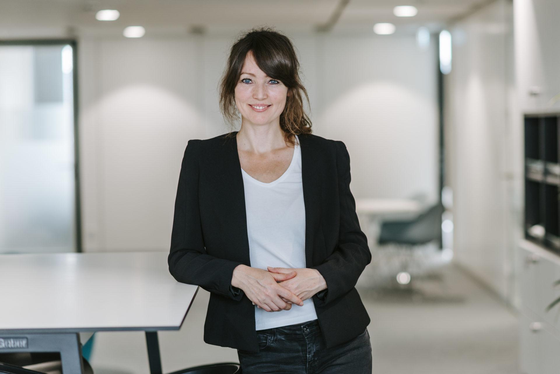 Portrait Studiengangskoordinatorin Mandy Bollinger