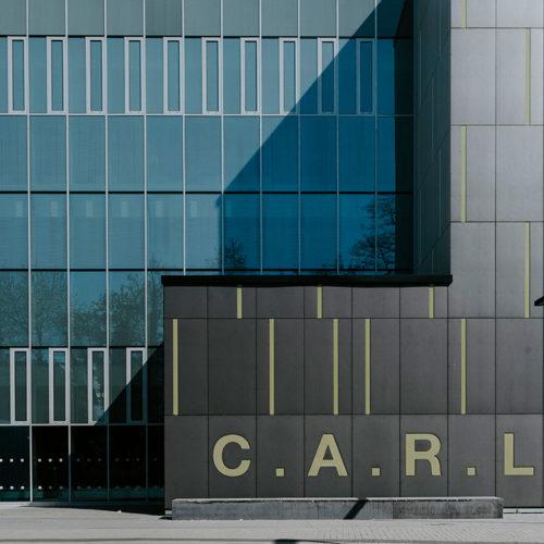 Außenansicht des Hörsaalgebäudes CARL der RWTH Aachen