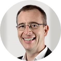 round Portrait Prof. Schneider