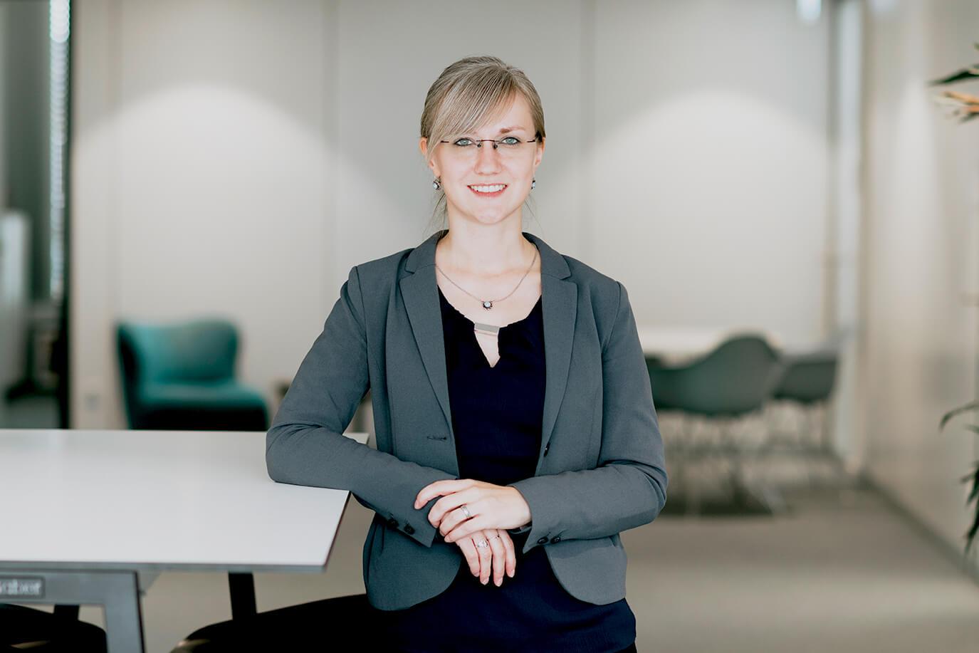 Portrait Mitarbeiterin RWTH Business School
