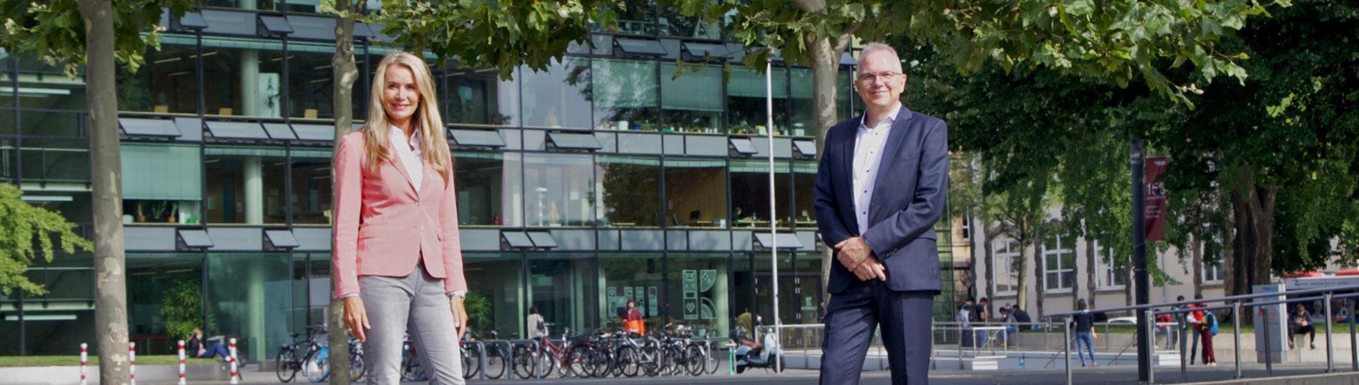 Meet your professors | <br> Prof. Dr. Oliver Lorz