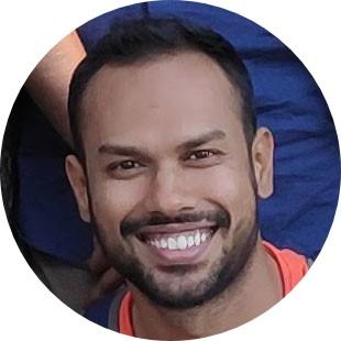 Portrait of Nikhil Kulkarni smiling
